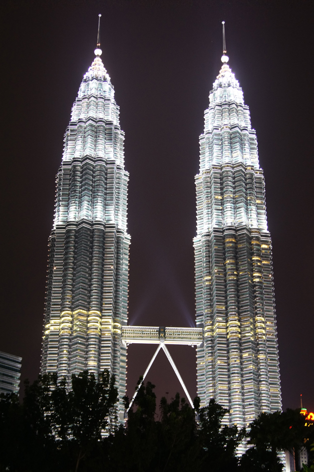 Hema_Petronas_towers_kuala_lumpur_2