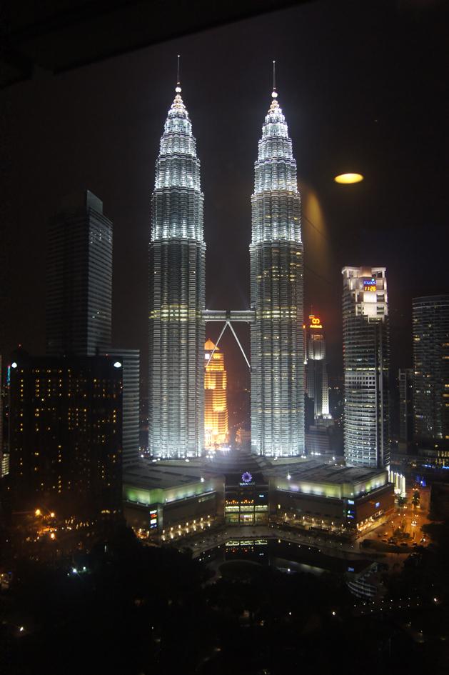 Hema_Petronas_towers_kuala_lumpur_3