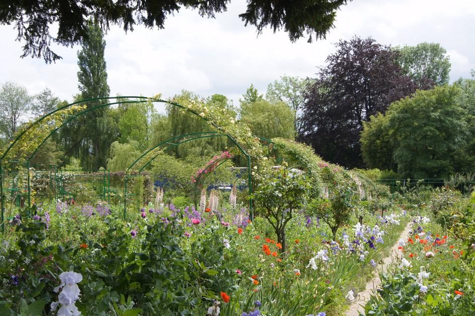 Hema_giverny_jardin_de_monet_allee_fleurie