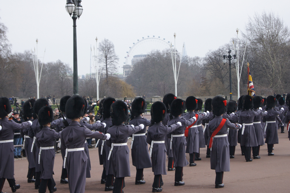 Hema_buckingham_palace_london_2