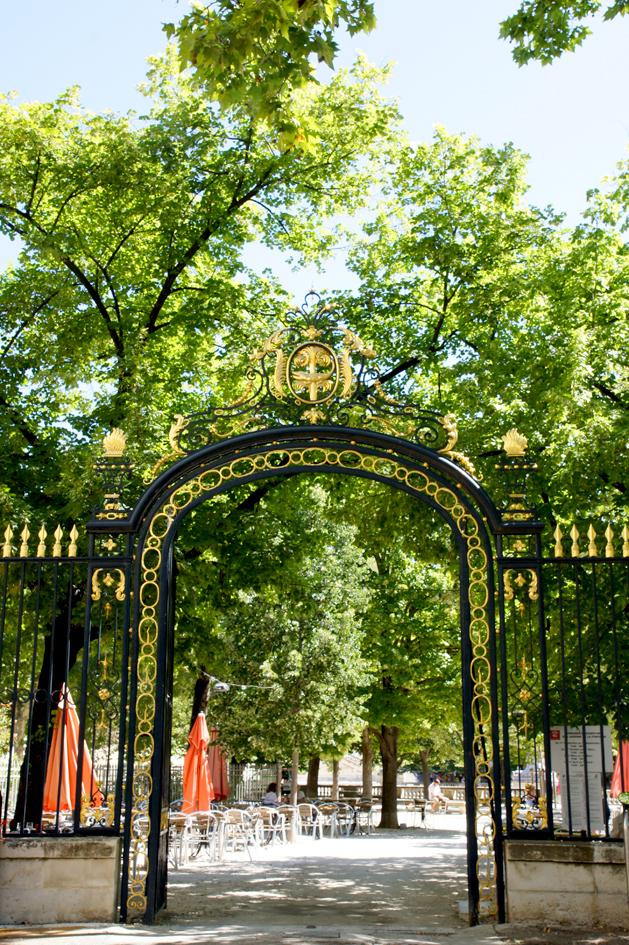 Un weekend n mes et au pont du gard visites des sites historiques - Petit jardin proven nimes ...