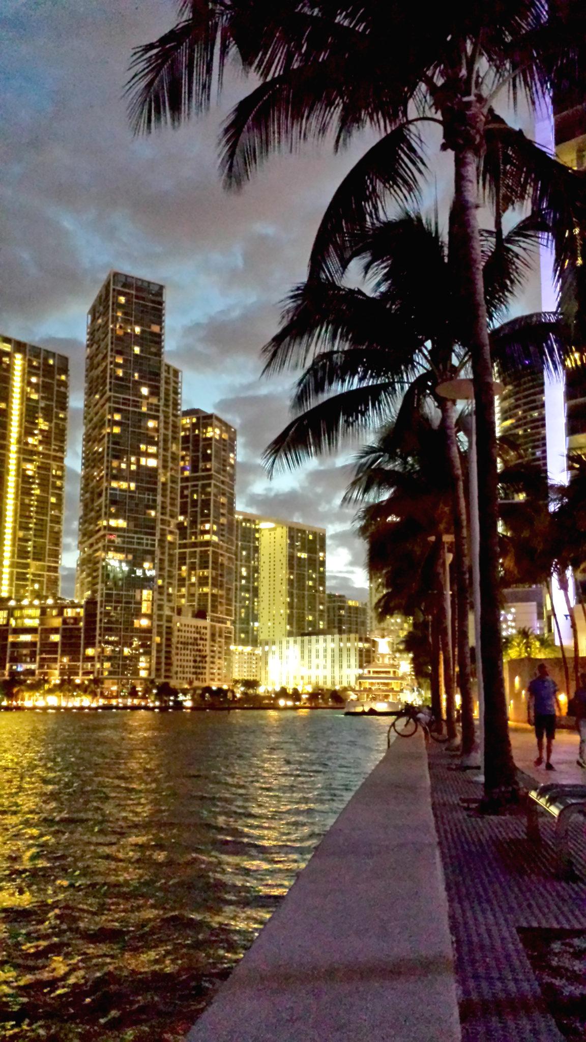 Hema_Florida_Miami_Downtown_bayside