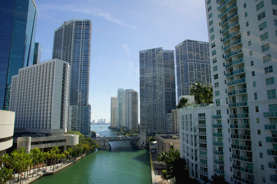 hema_florida_miami_downtown_river_brickell_bridge