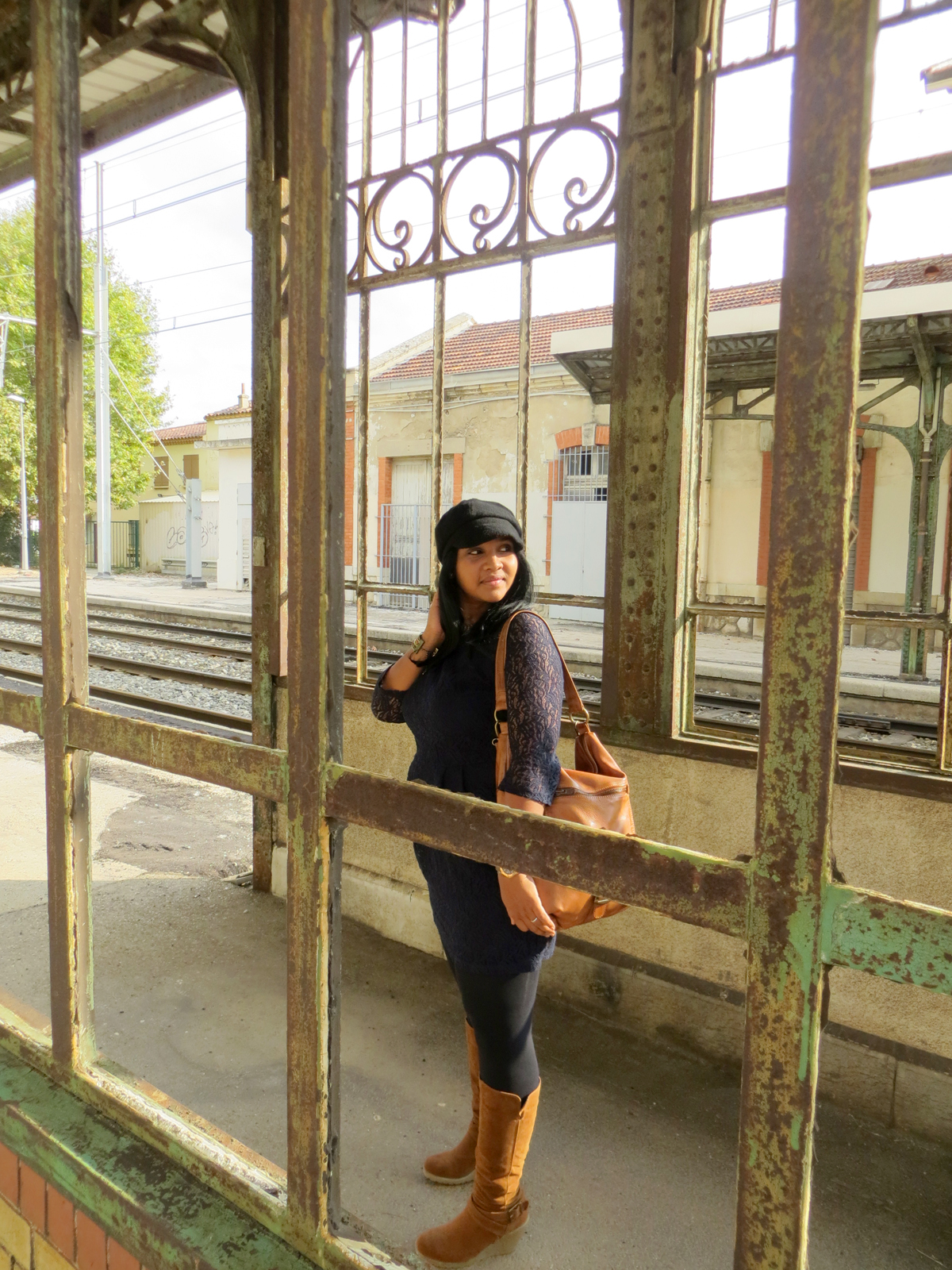 Hema_Waiting_for_the_train_C-Oui-Copenhague10