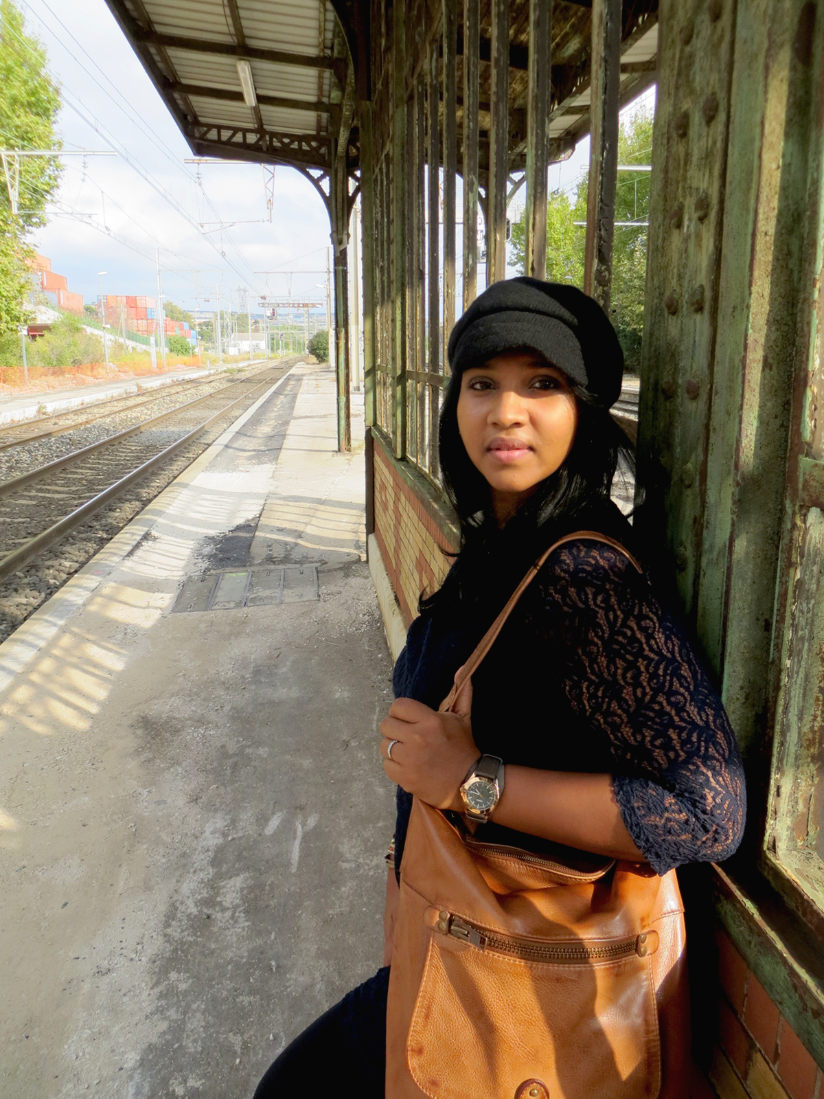 Hema_Waiting_for_the_train_C-Oui-Copenhague13