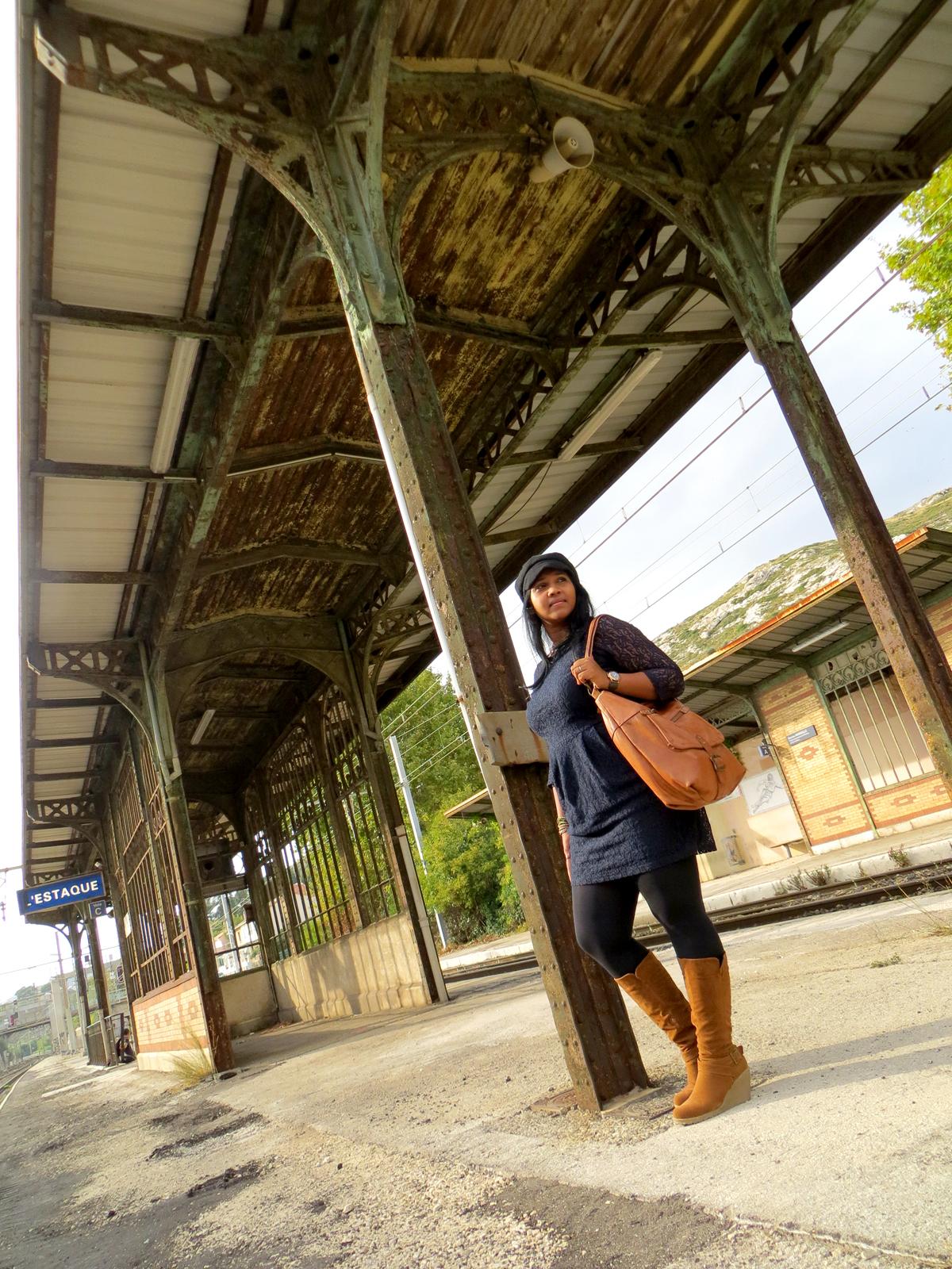 Hema_Waiting_for_the_train_C-Oui-Copenhague3