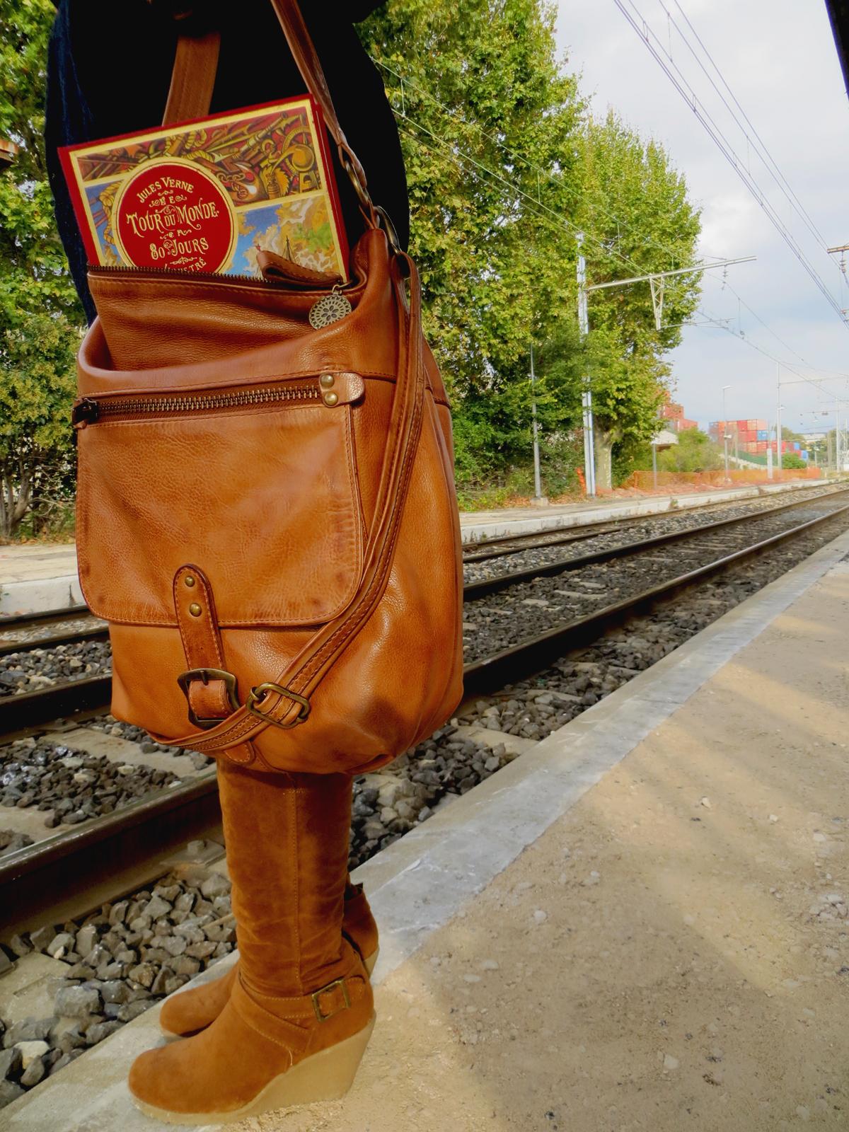Hema_Waiting_for_the_train_C-Oui-Copenhague4