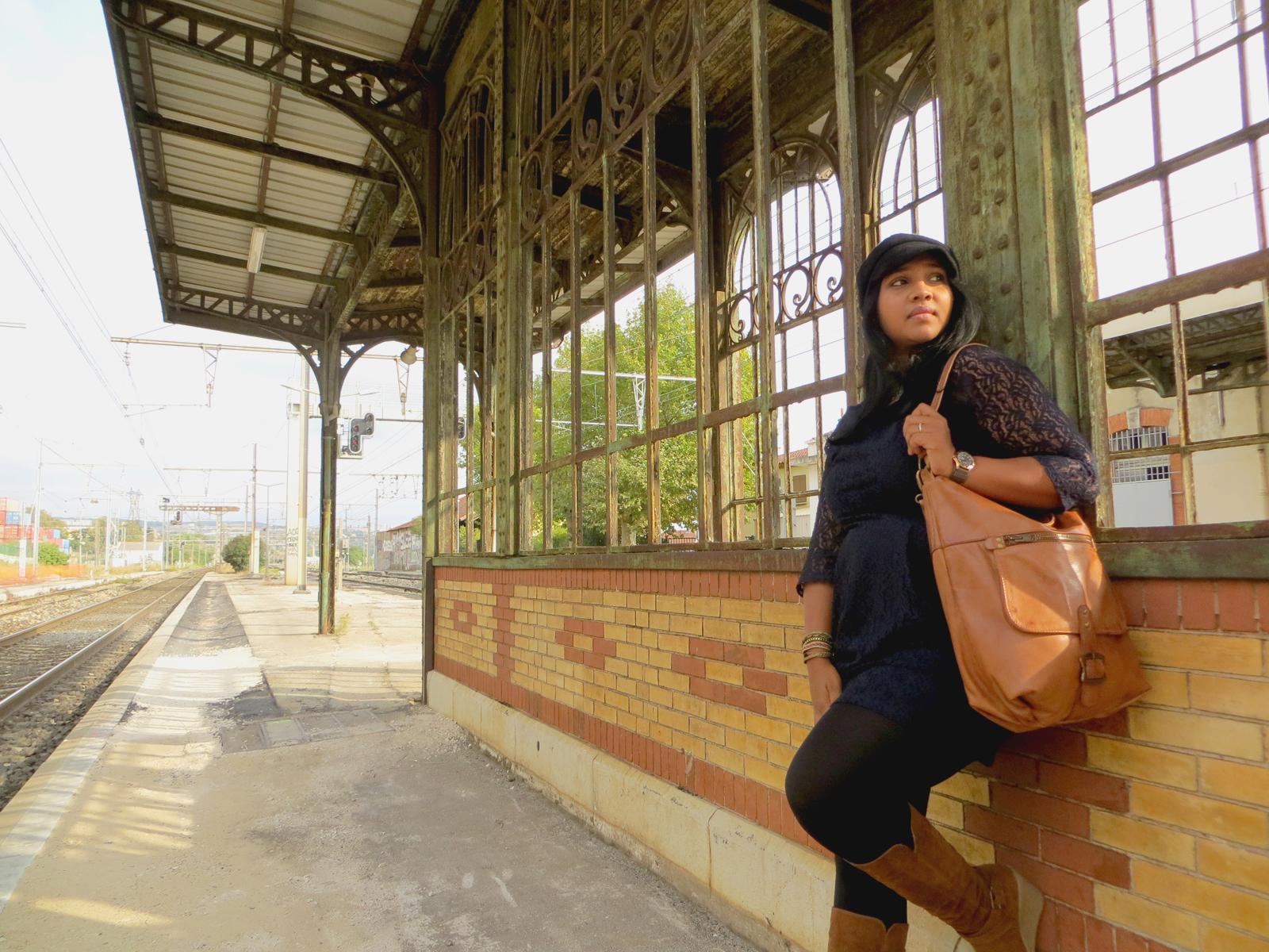 Hema_Waiting_for_the_train_C-Oui-Copenhague5