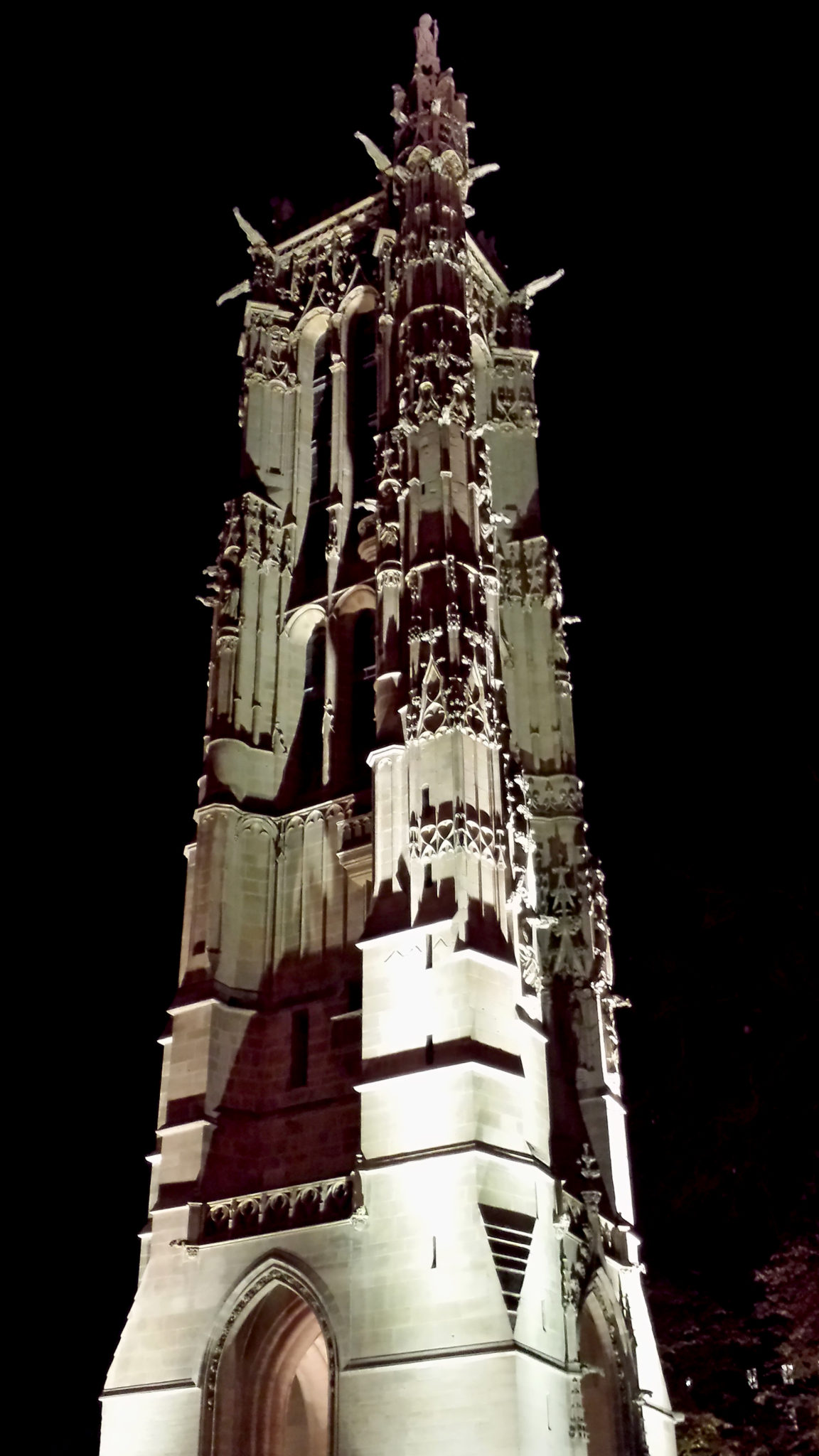 Hema_Paris_Tour_de_Saint_Jacques