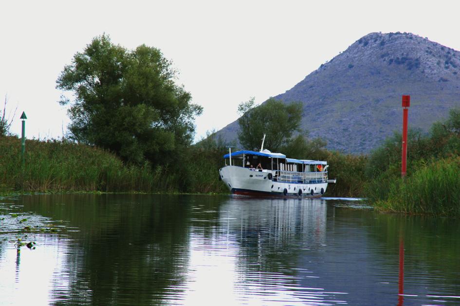 Hema_Montenegro_Virpazar_Boat_Lake_Skadar_Boats_Blog_Voyage_Travel_4