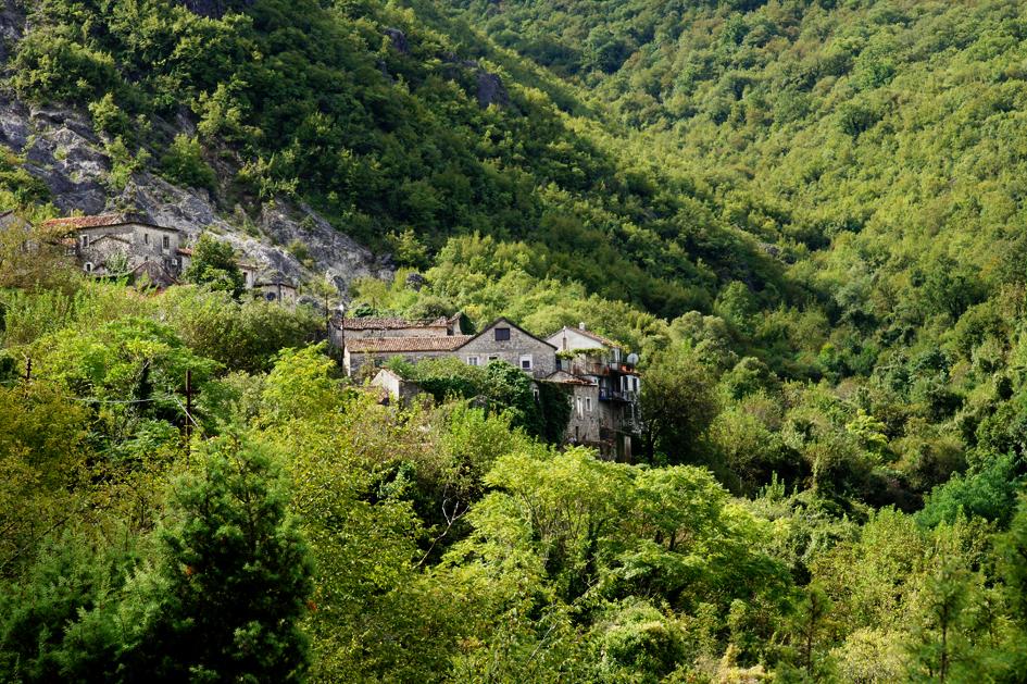 Hema_Montenegro_Godinje_hills_Blog_Voyage_Travel6