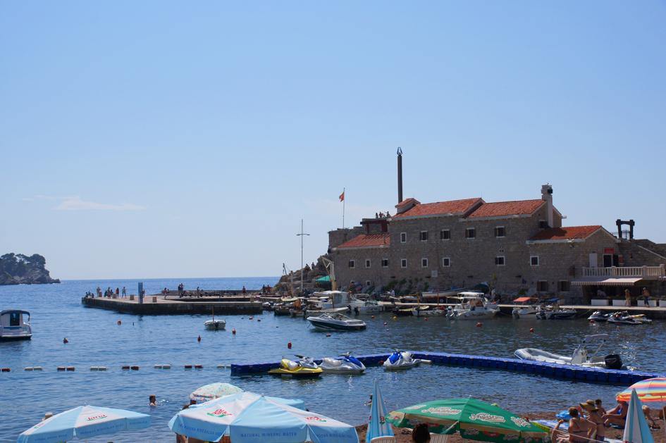Hema_Montenegro_Adriatic_Coast_Petrovac_Beach_plage_blog_voyage_travel_2