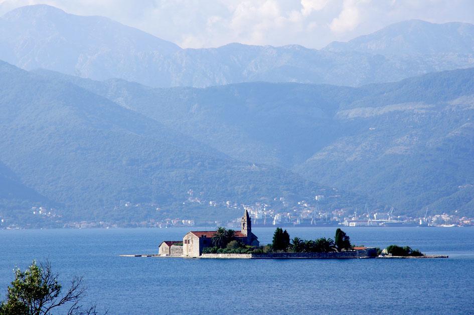 Hema_Montenegro_Lustica_peninsula_gospa_od_milosti_blog_voyage_travel1