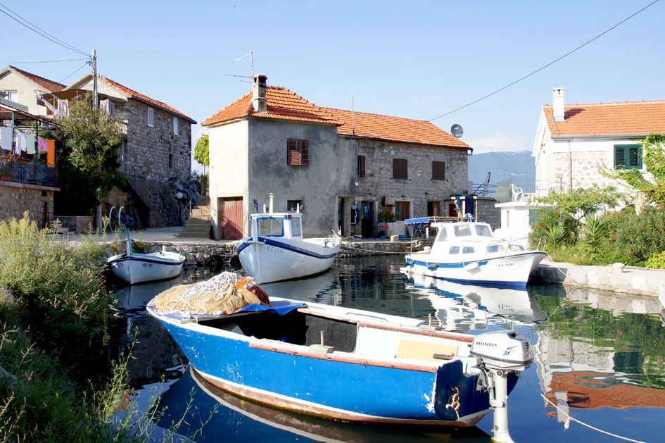 Hema_Montenegro_Lustica_peninsula_village_blog_voyage_travel2