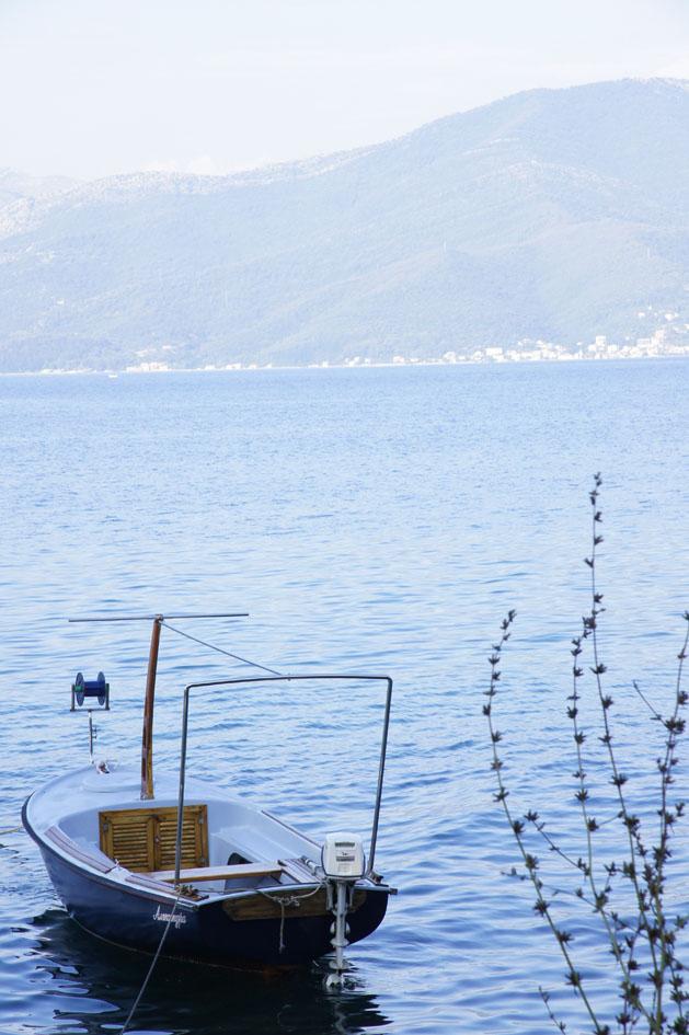 Hema_Montenegro_Lustica_peninsula_village_boat_blog_voyage_travel6