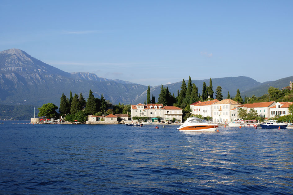 Hema_Montenegro_Lustica_peninsula_village_rose_blog_voyage_travel10