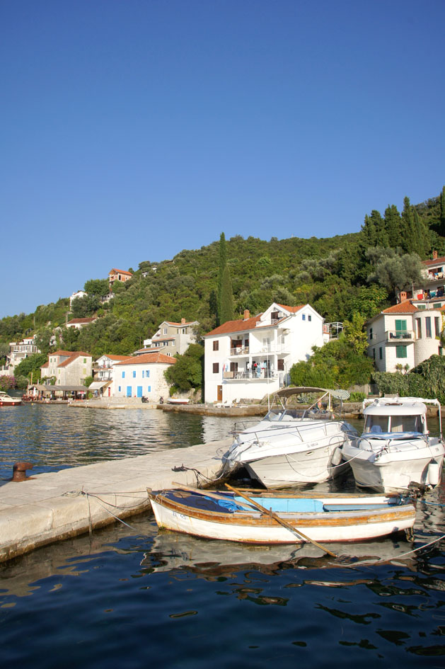 Hema_Montenegro_Lustica_peninsula_village_rose_blog_voyage_travel12