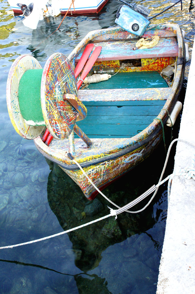 Hema_Montenegro_Lustica_peninsula_village_rose_colorful_boat_blog_voyage_travel11