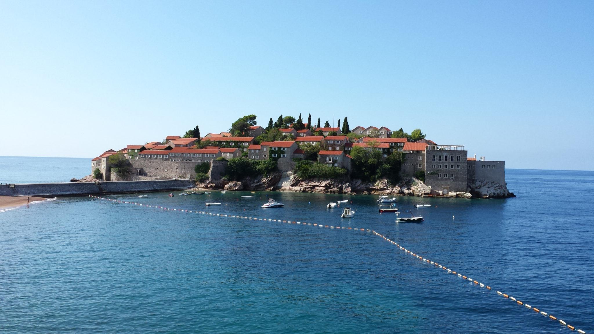 Hema_Montenegro_Sveti_Stefan_privat_beach_Adriatic_Coast_Blog_Voyage_Travel10