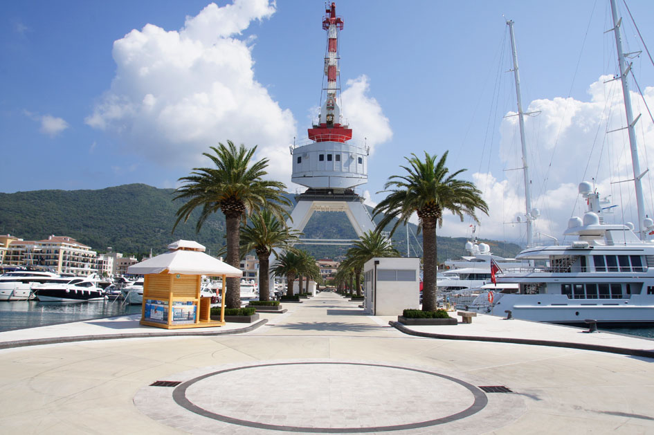 Hema_Porto_Montenegro_Blog_Voyage_Travel_marina_entrance