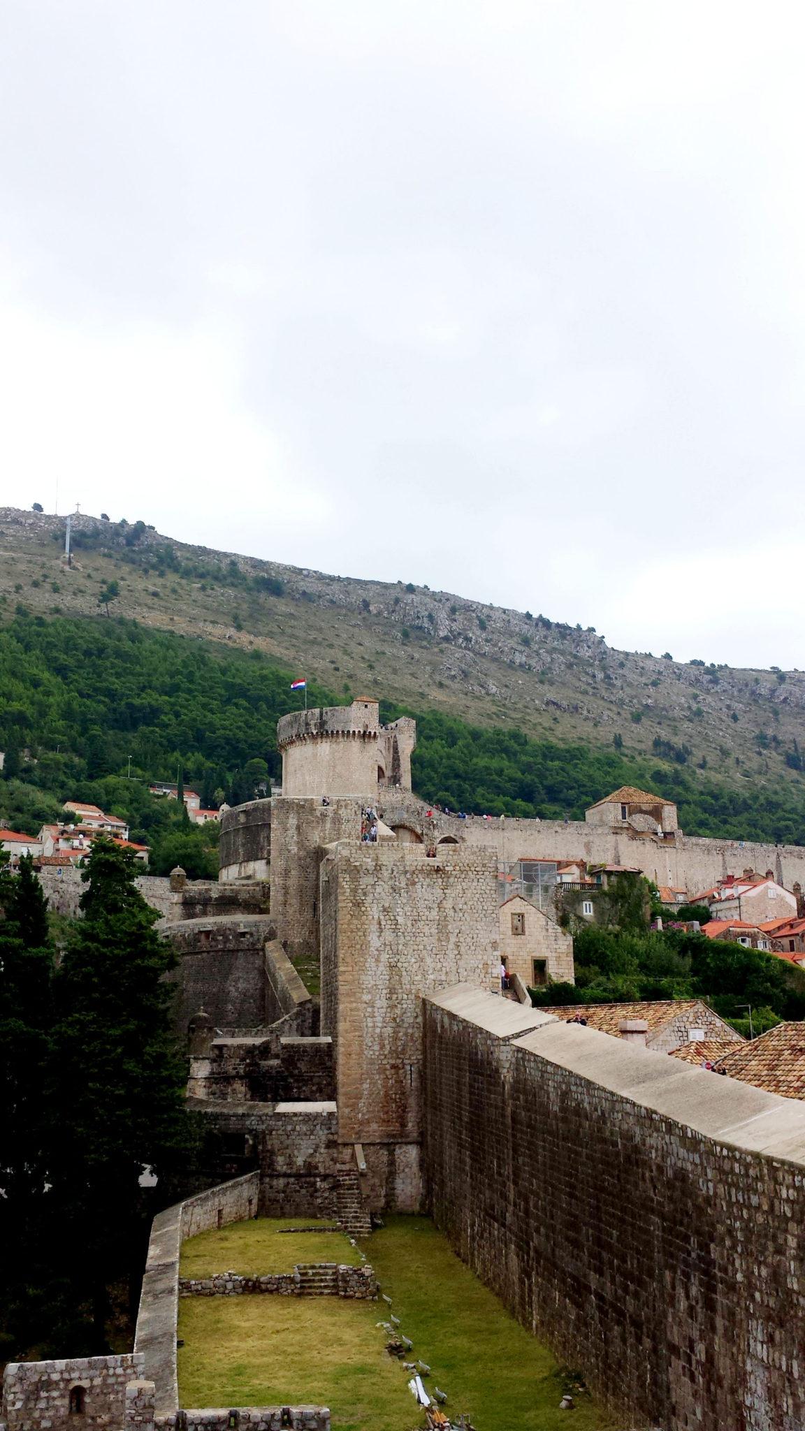 Hema_blog_mode_voyage_croatie_une_journee_a_dubrovnik_rempart_6