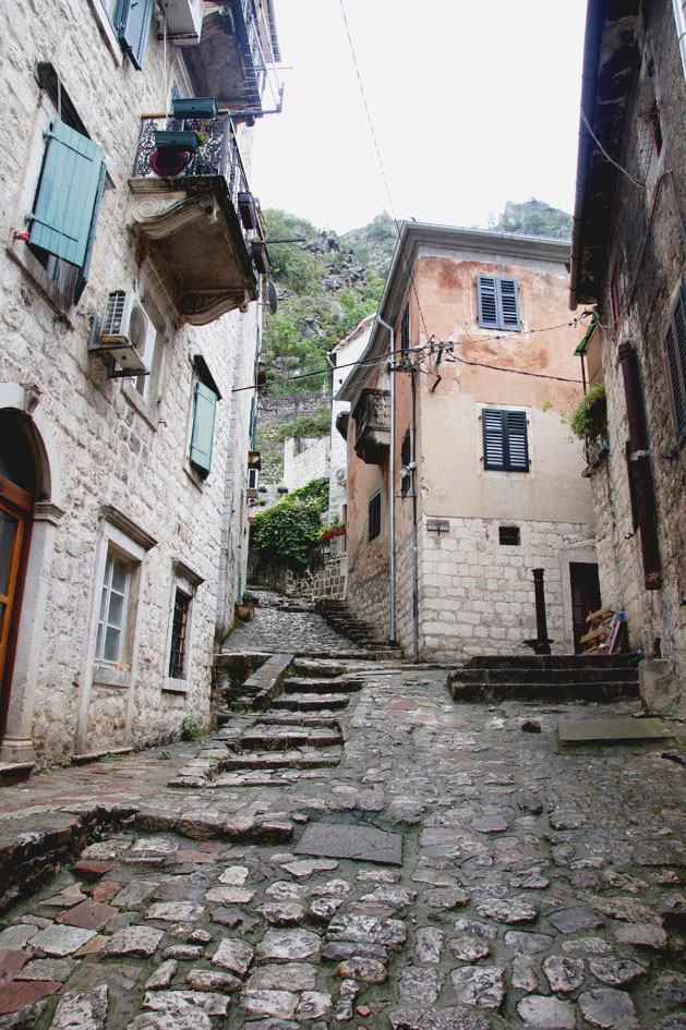 hema_montenefgro_old_town_of-kotor_street
