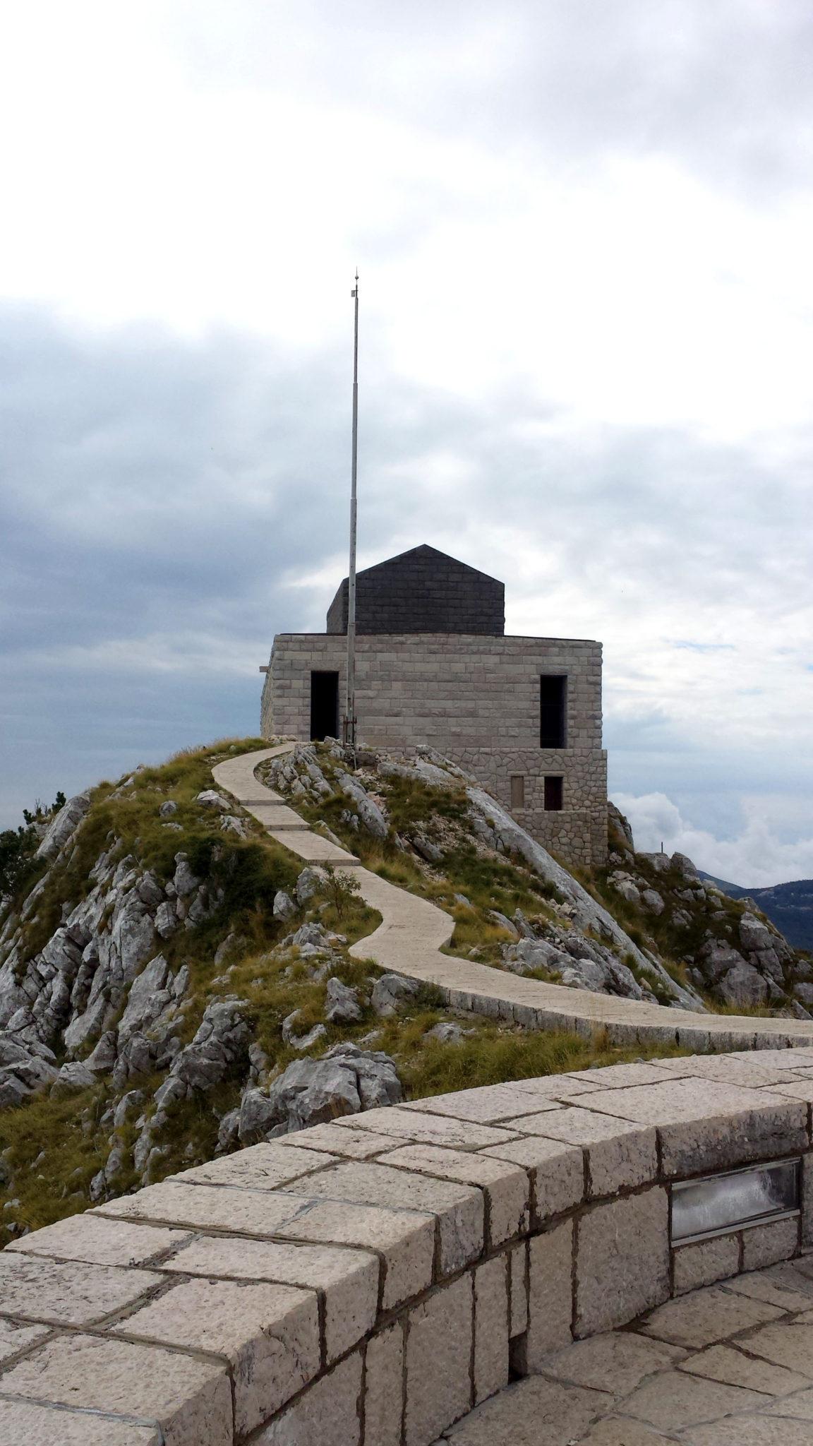 Hema_Le_parc_Lovcen_blog_voyage_travel_mausolee_nejegos11