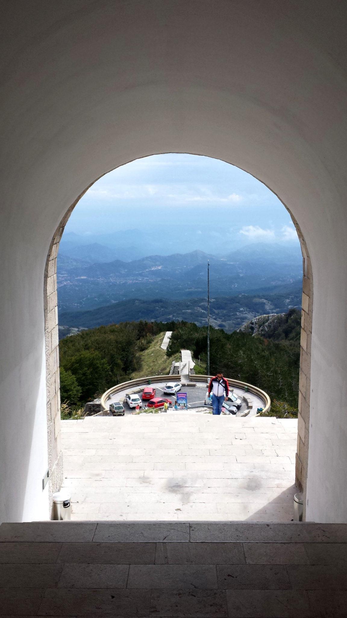 Hema_Le_parc_Lovcen_blog_voyage_travel_mausolee_nejegos17