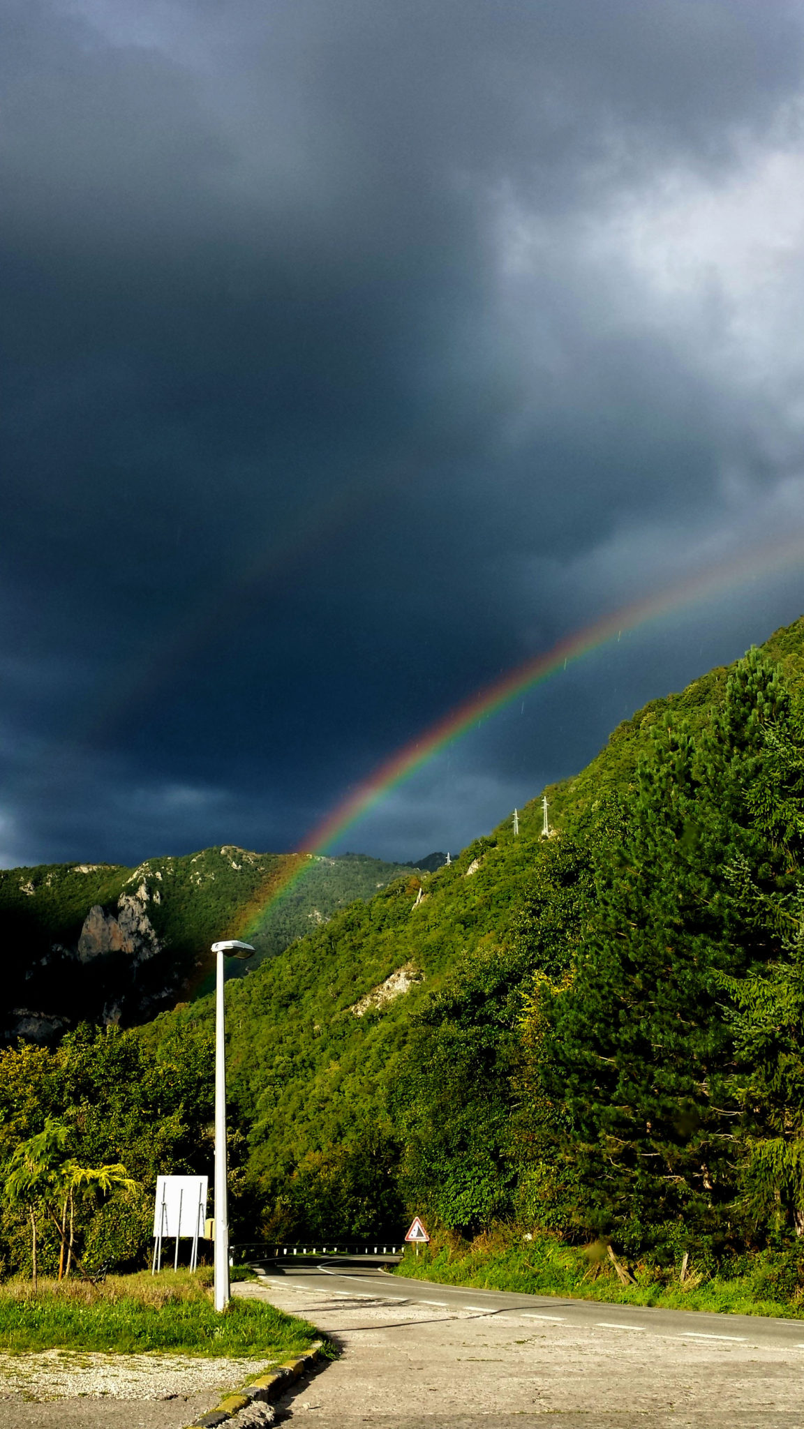 Hemaposesesvalises_montenegro_double_rainbow_travel_voyage_blog4