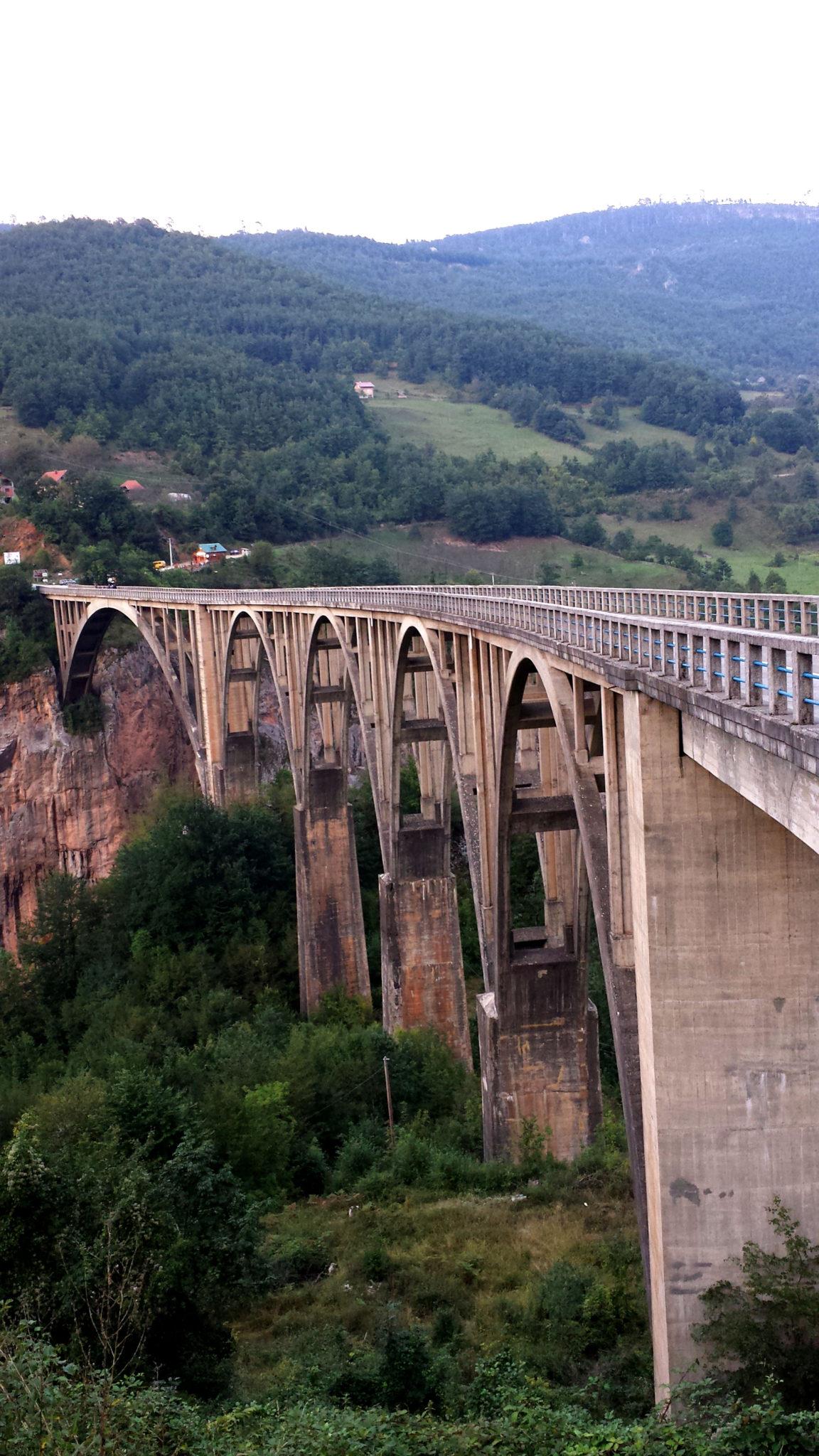Hemaposesesvalises_montenegro_tyrolienne_zipline_tara_voyage_travel_blog2