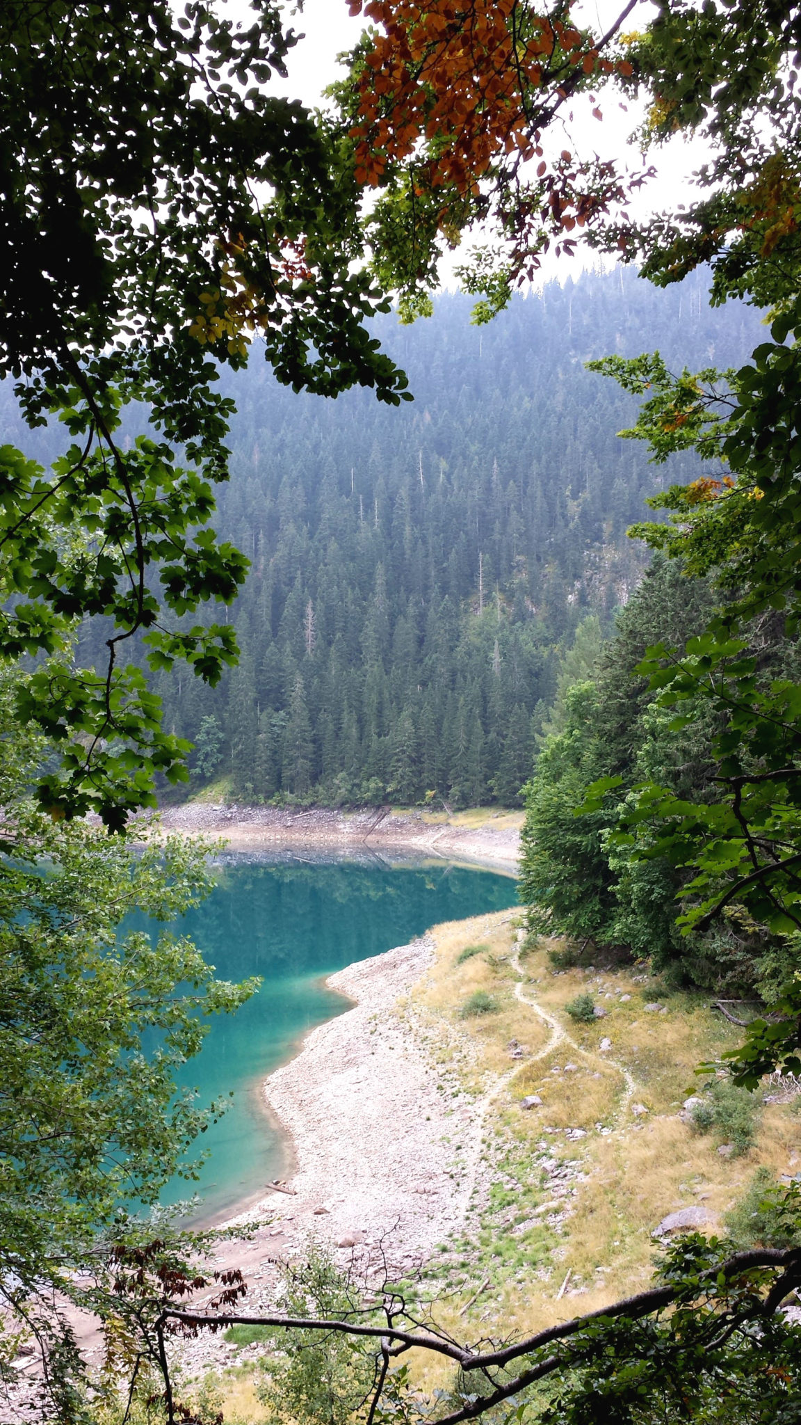 Hermaposesesvalises_Montenegro_Zabljak_Lac_noir_rando_trek_travel_voyage_blog11
