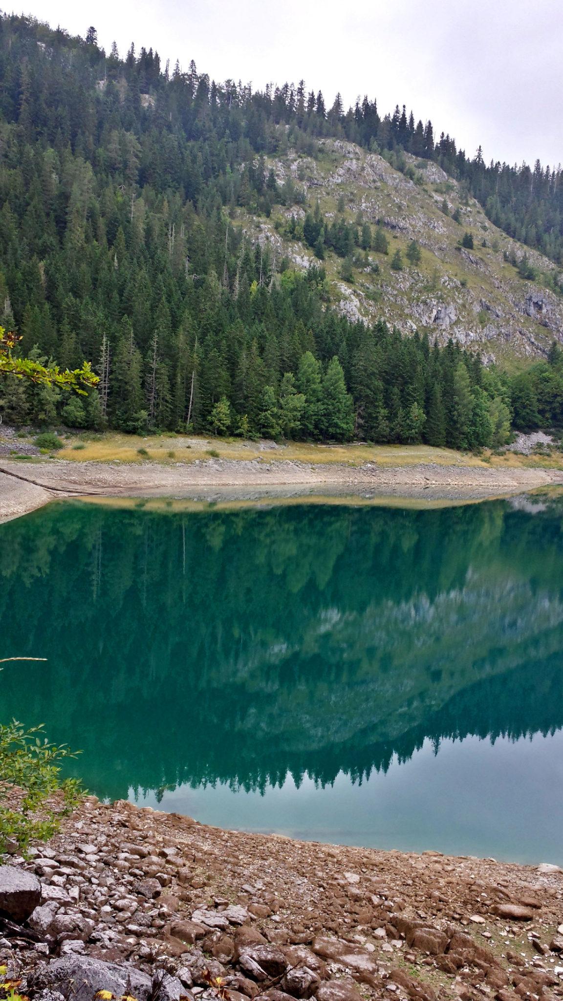 Hermaposesesvalises_Montenegro_Zabljak_Lac_noir_rando_trek_travel_voyage_blog15