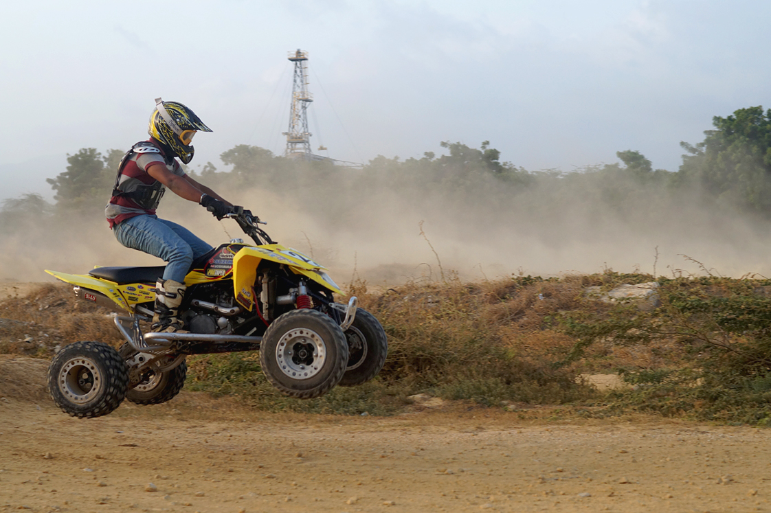 Republique_dominicaine_Barahona_quad_race_jump