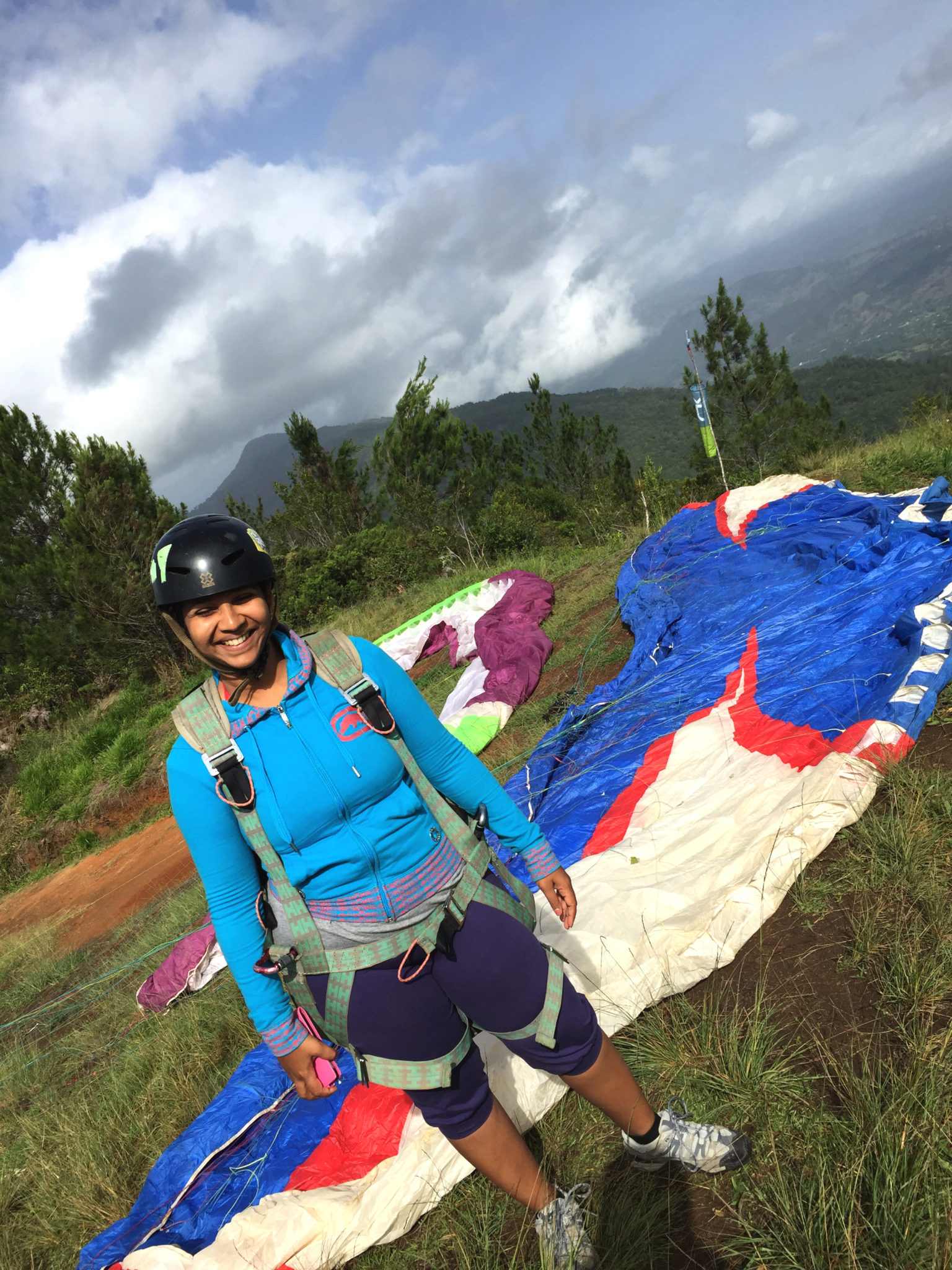 Republique_dominicaine_jarabacoa_parapente_hema_pose_ses_valises