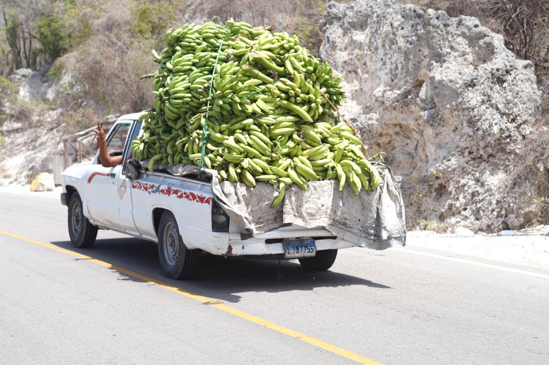 Republique_dominicaine_route_lago_enriquillo_cargaison_bananes