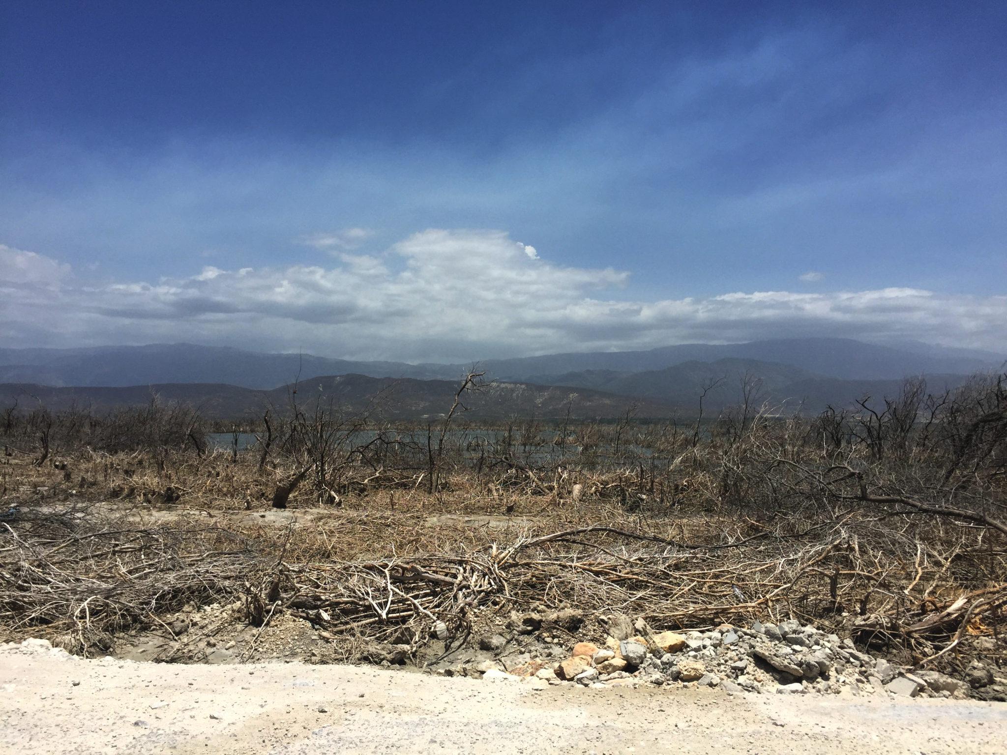 Republique_dominicaine_route_lago_enriquillo_paysage_climat_sec