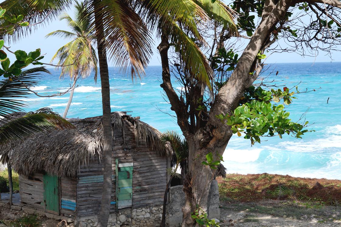Roadtrip_republique_dominicaine_route_44_maison_bois_plage