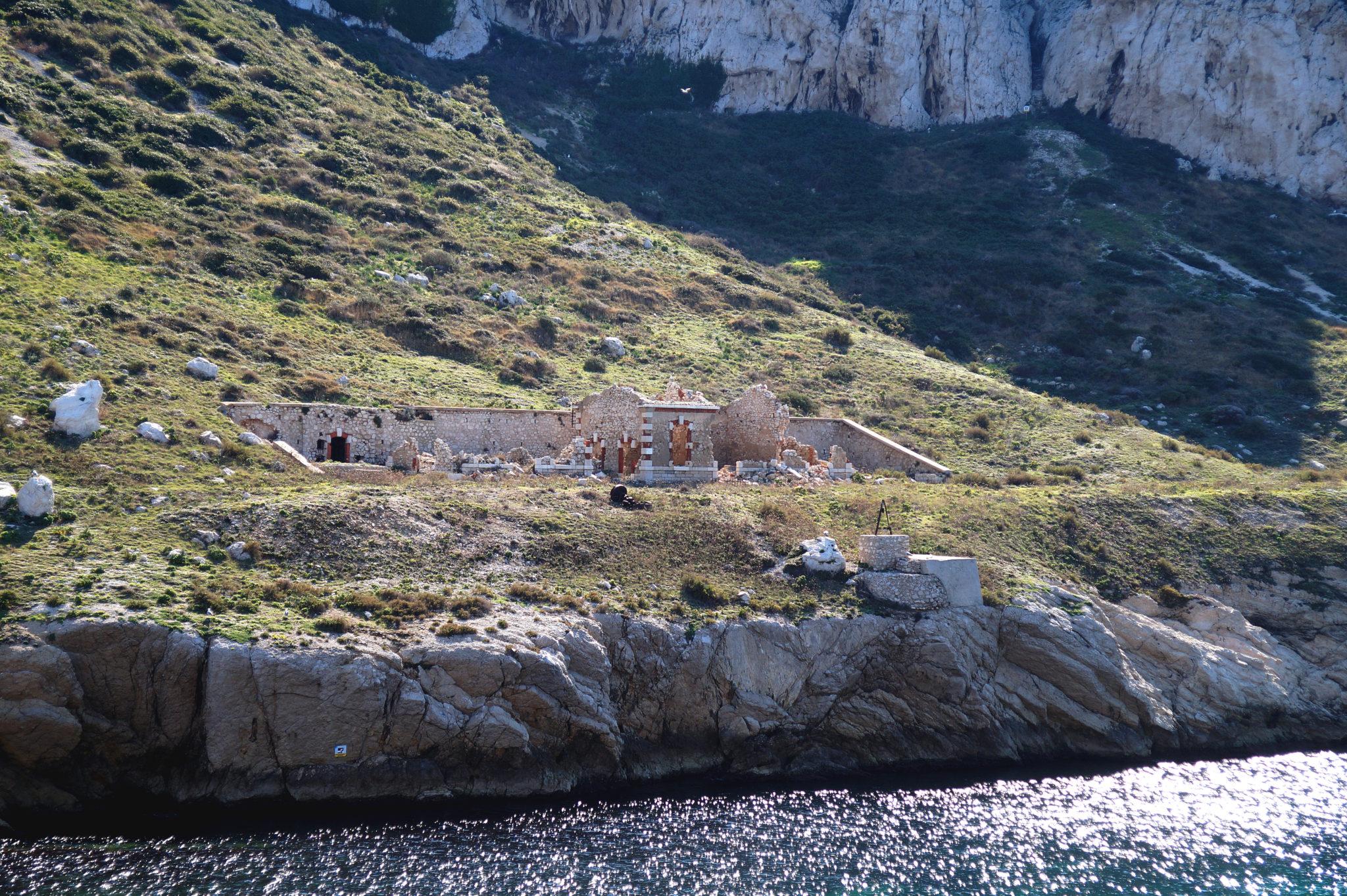 Marseille_ile_maire_ruines_militaires