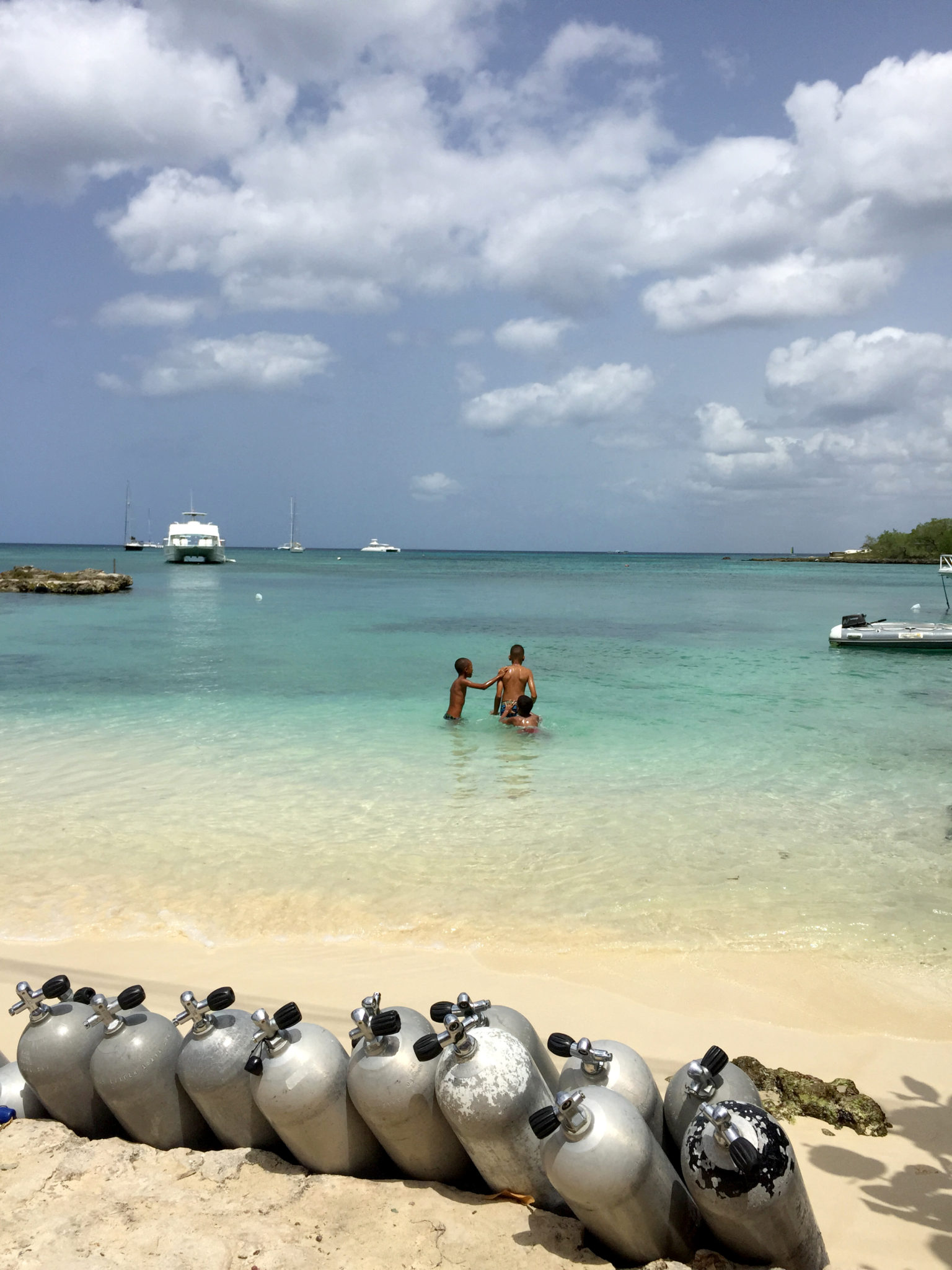 Republique_dominicaine_roadtrip_bayahibe_embarcadere_plongee_bouteilles