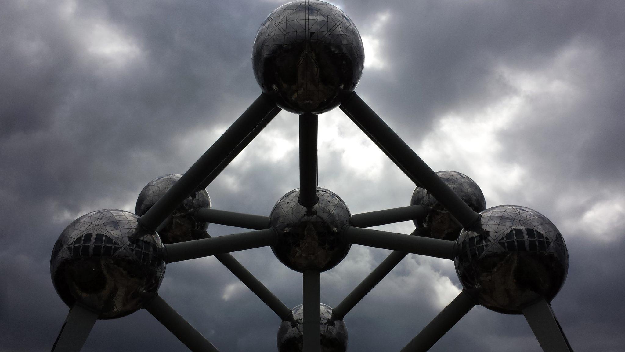 Hema_Bruxelles_atomimum_ciel_nuages_orage