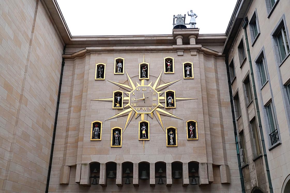 Hema_bruxelles_carillon_mont_des_arts_horloge