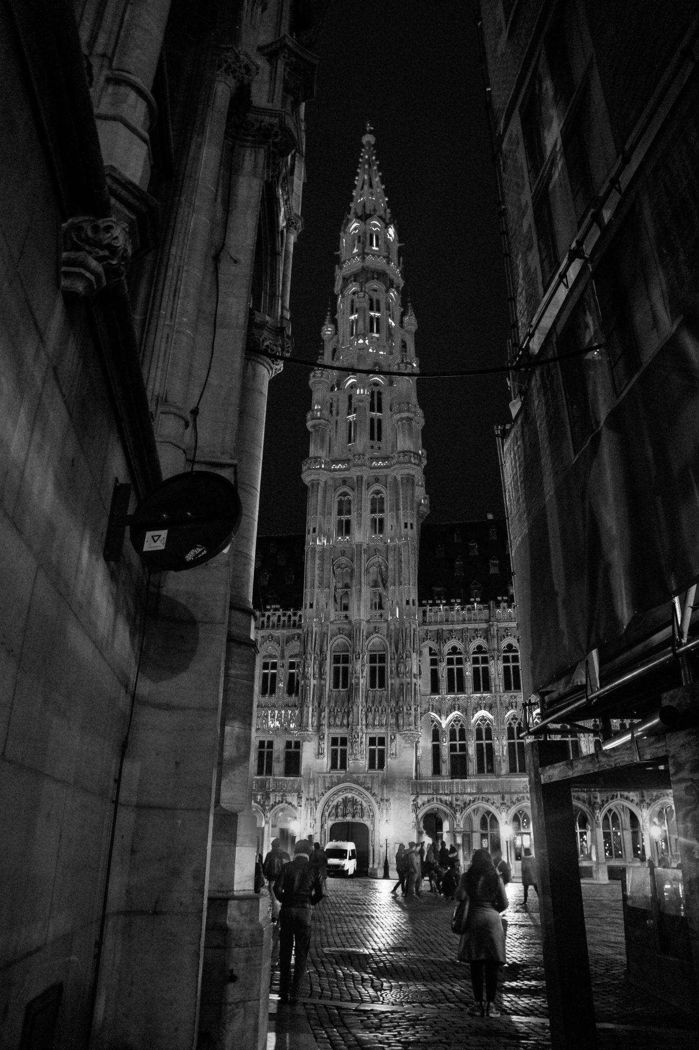 Hema_Bruxelles_Mairie_Nuit_Noir_Blanc