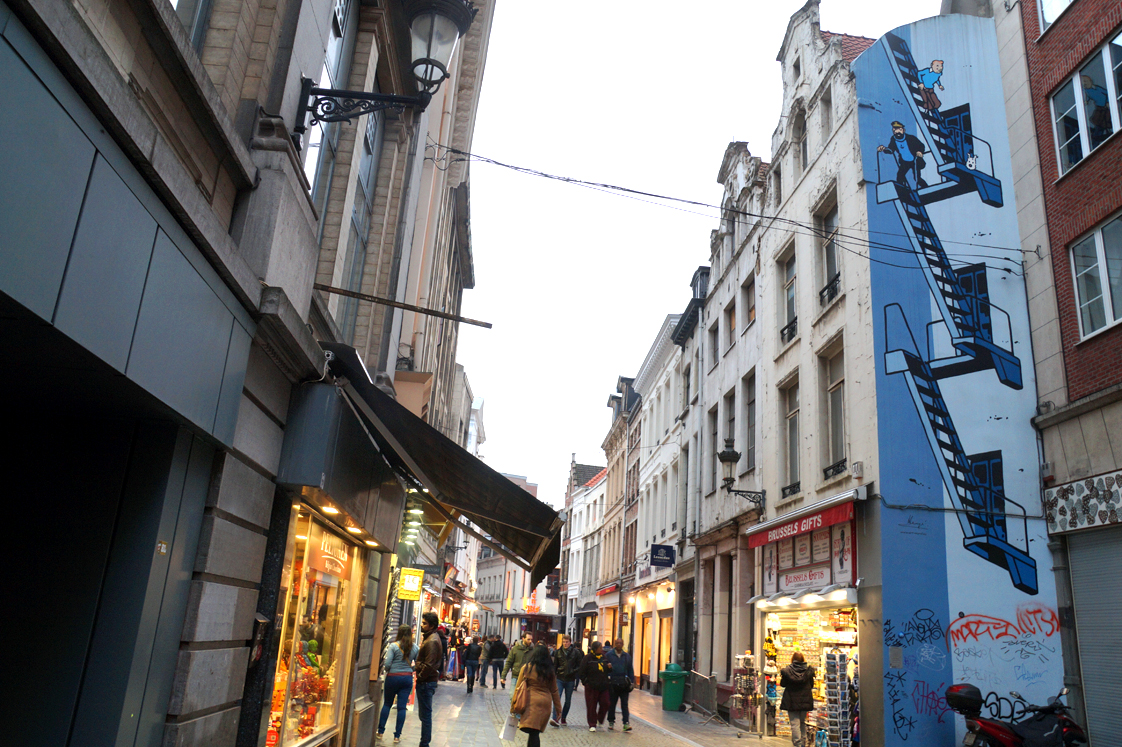 Hema_Bruxelles_Rue_BD_Tintin_haddock