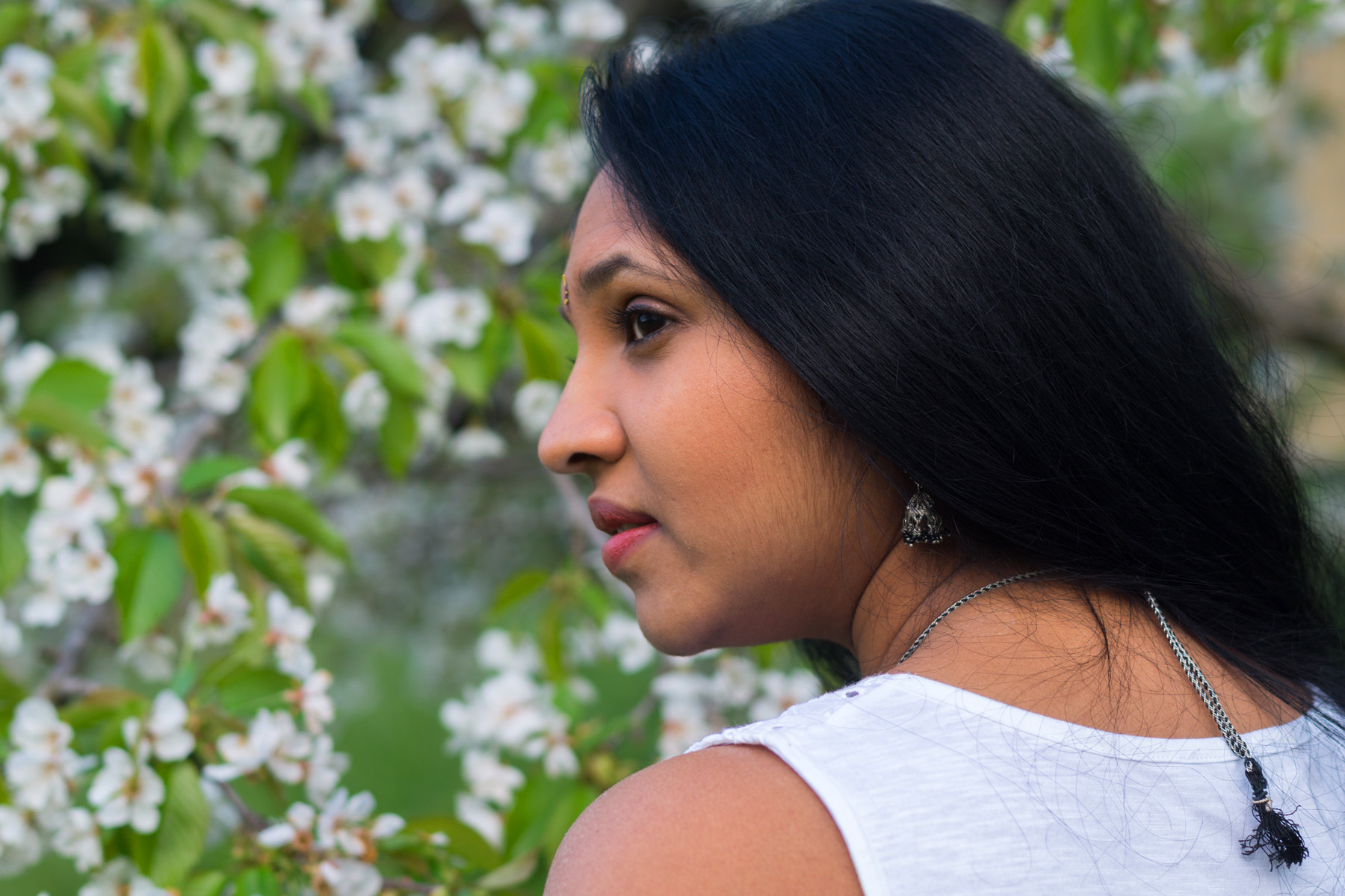 Hema_pose_ses_valises_sakura_look_blog_mode_indienne_9