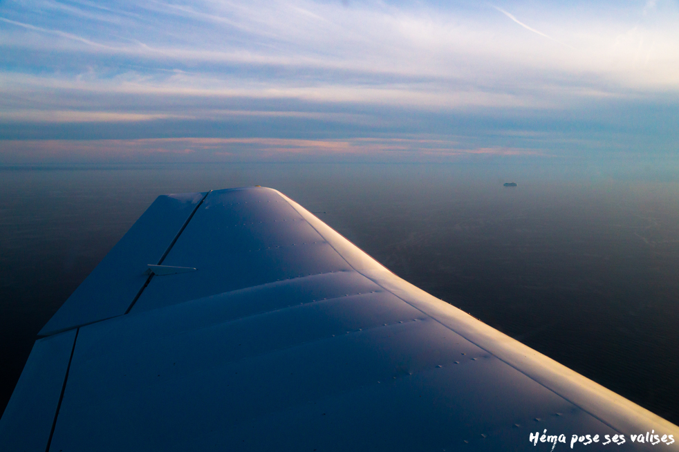 Hema_up_in_the_air_mer_mediterranee_coucher_soleil_avion