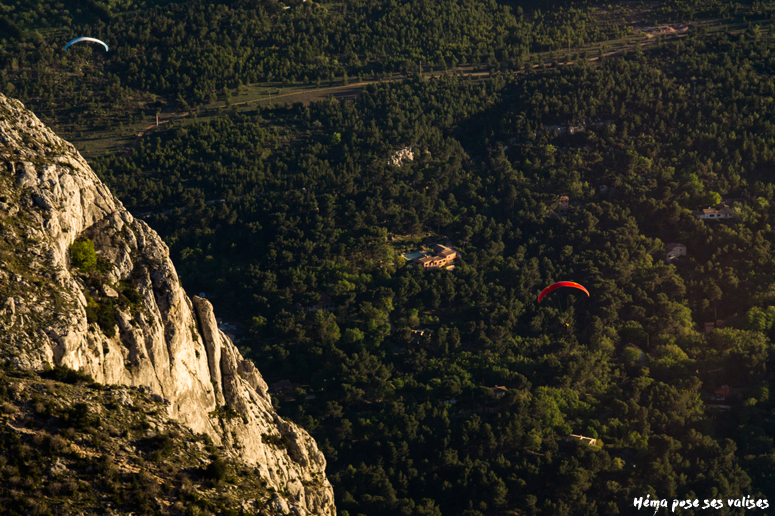 Hema_up_in_the_air_mont_sainte_victoire_parapente