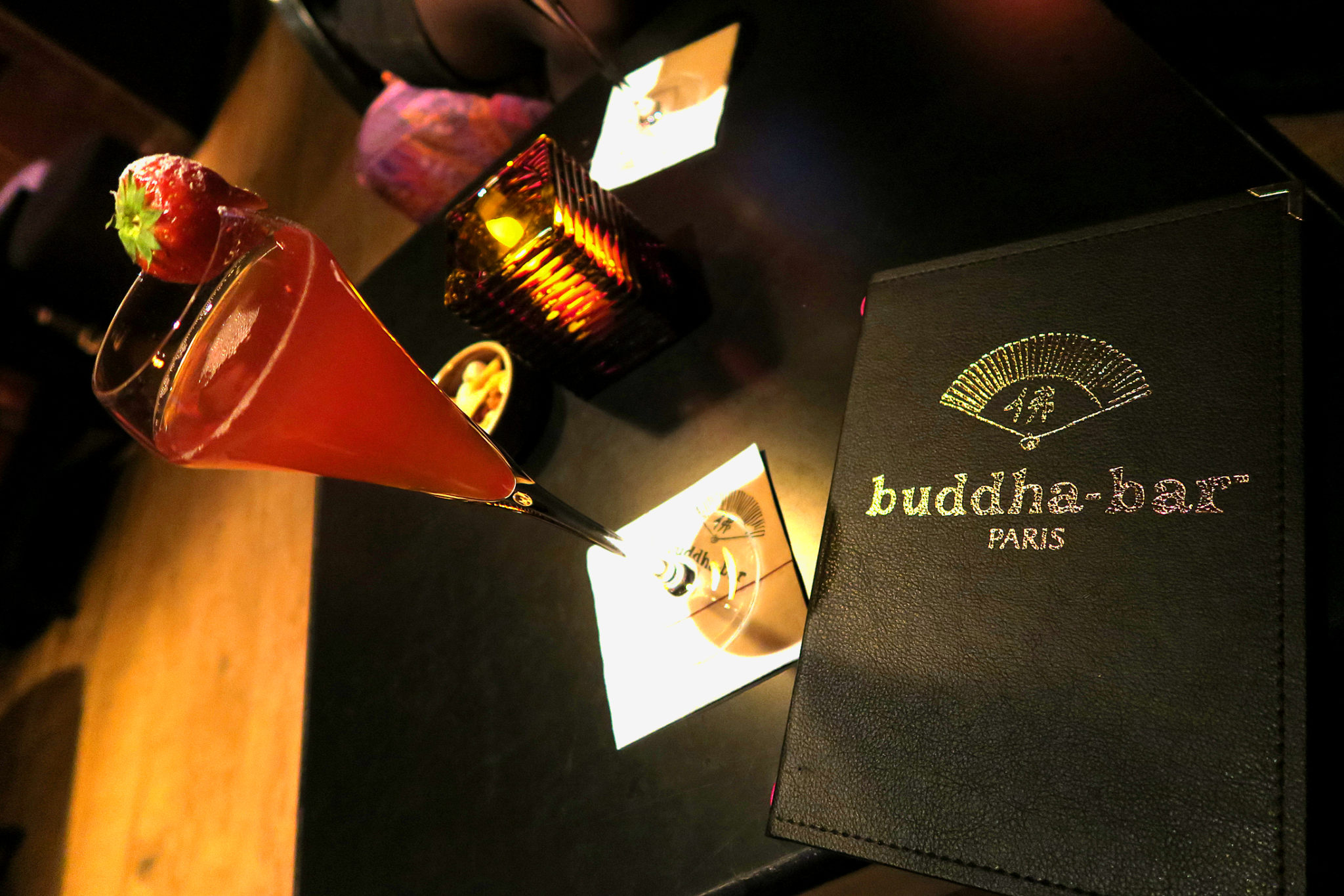 Hemaposesesvalises_buddha_bar_paris_cocktail_sortie_adresse