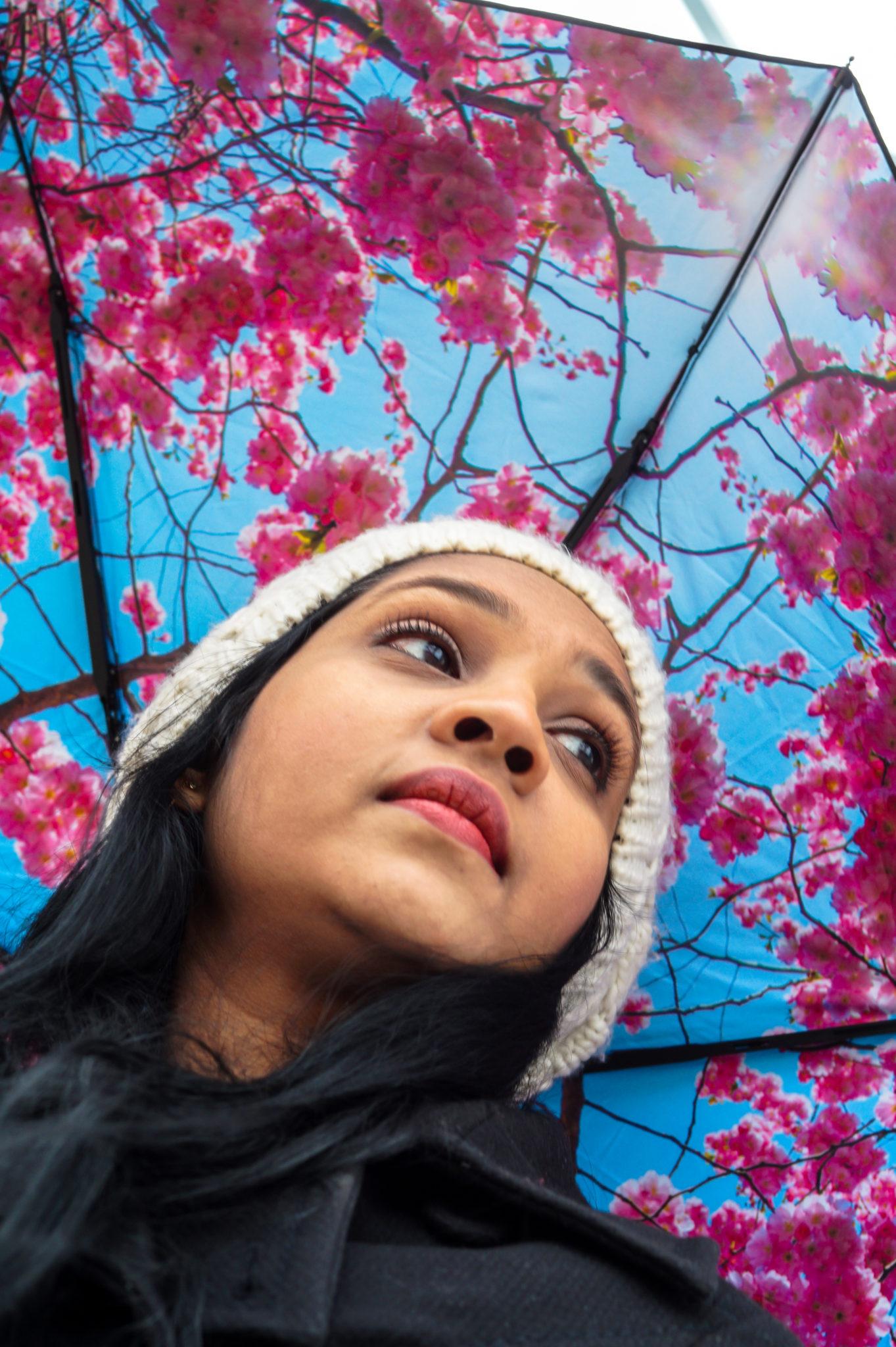 Hemaposesesvalises_Happysweeds_Cherry_Umbrella_blog_mode