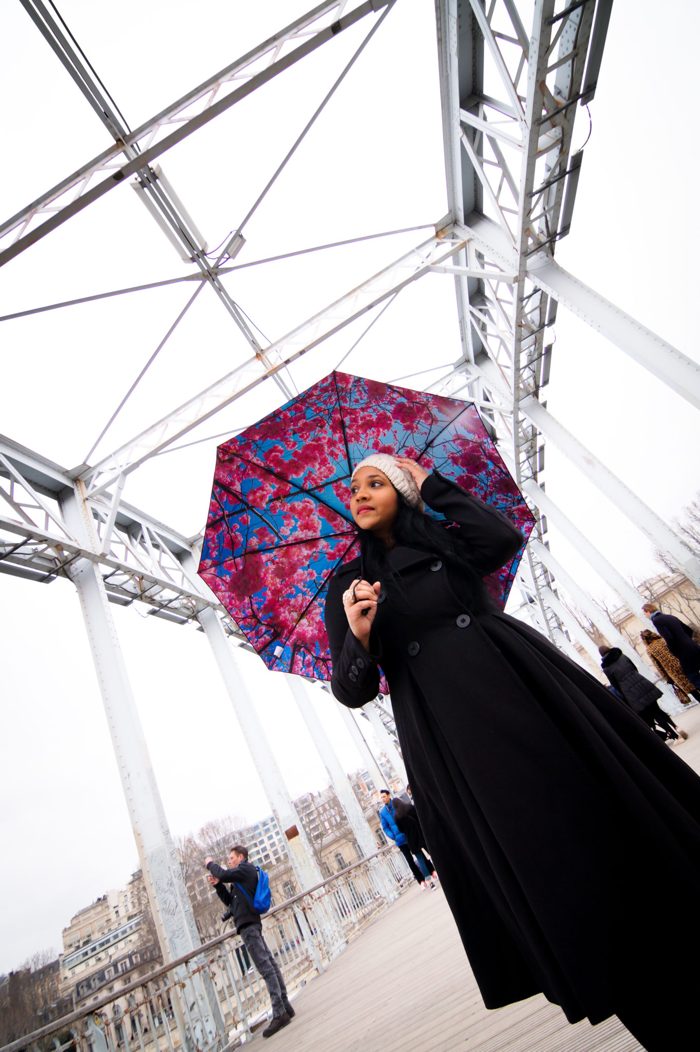 Hemaposesesvalises_Happysweeds_Cherry_Umbrella_manteau_max&co_debilly_paris_blog_mode