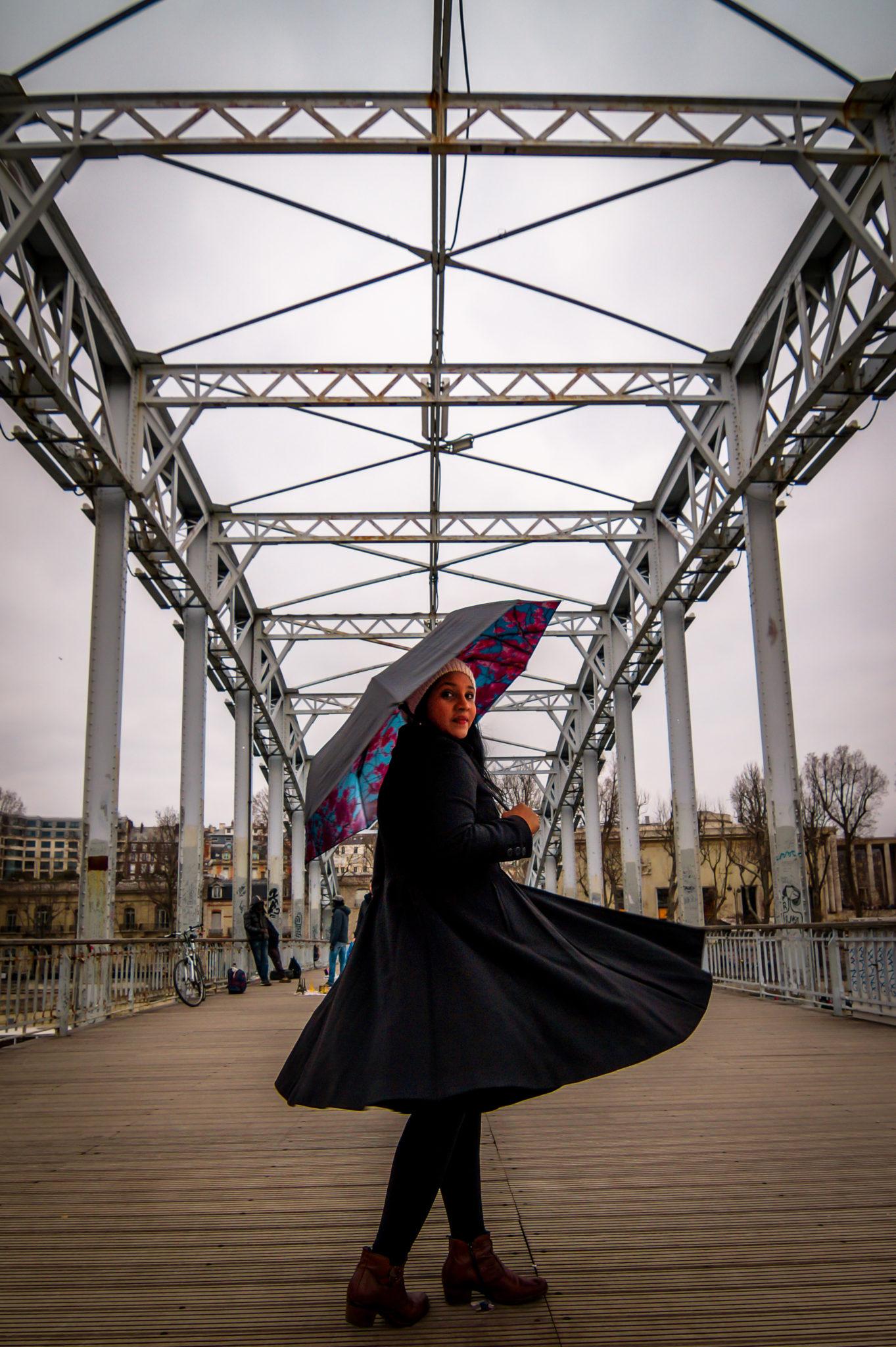 Hemaposesesvalises_Happysweeds_Cherry_Umbrella_Paris_Manteau_Max&co_blog_mode